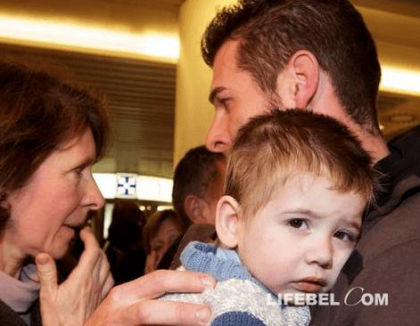 Бельгийские извращенцы обзавелись младенцем с Украины