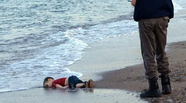 Снимки с мертвым трехлетним Айланом потрясли весь мир