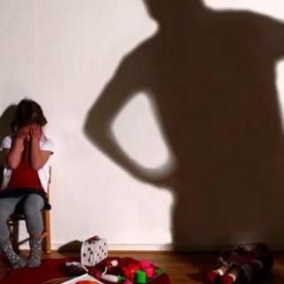 Каждую неделю 75 заявлений о насилии в отношении детей