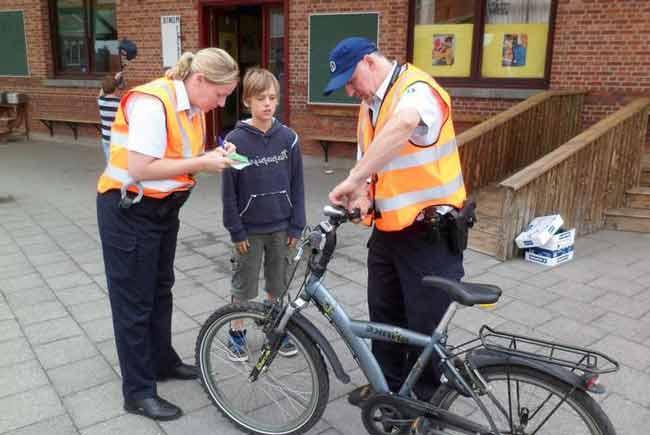 Езда на велосипеде без фонарей – штраф 55 евро