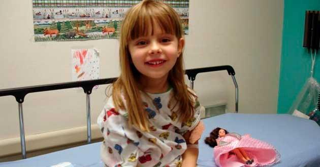 Родители умершего от рака ребенка обнаружили в доме ее трогательные послания