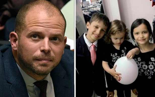 Дети албанской семьи, задержанные для репатриации