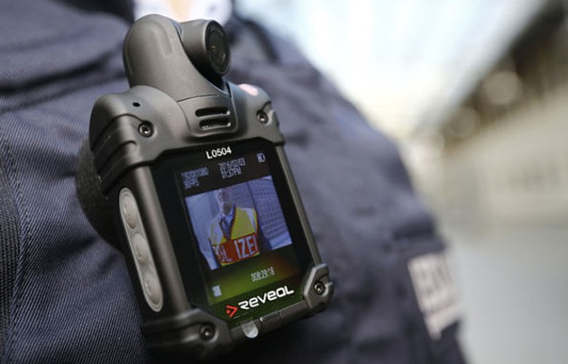 Вас снимают: новый закон позволит полицейским использовать бодикамеры и дроны