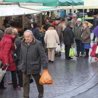 53 евро за килограмм винограда и один ананас: дополнительный контроль на рынках Левена