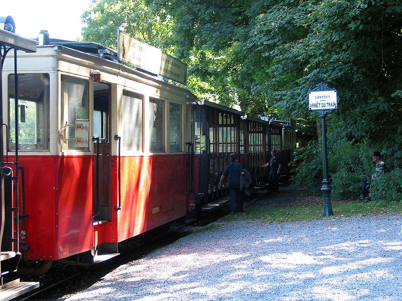 800px-00_Han-sur-Lesse_-_Tram_2