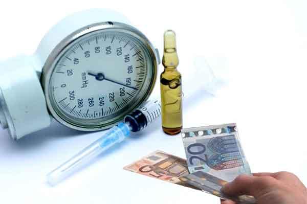 Медицинские страховые компании увеличивают членские взносы