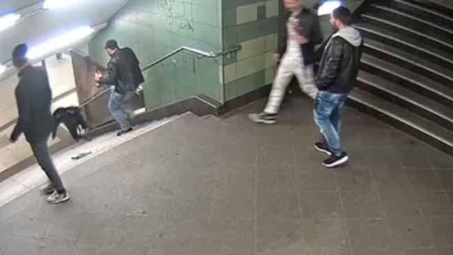 Преступник столкнувший девушку в берлинской подземке скрывается в Болгарии