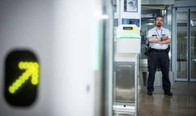 В аэропорту Завентем ежемесячно задерживают сотни экстремистов