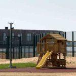 Первая семья без документов помещена в закрытый центр