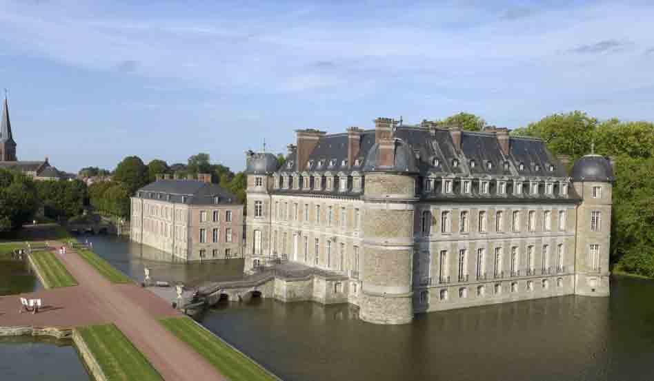 Белёй (фр. Château de Belœil)