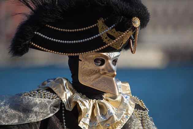 Карнавал венецианских костюмов в Брюсселе
