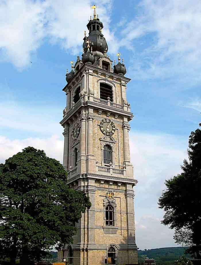 Беффруа – колокольня является одной из самых последних среди колокольней Бельгии и Франции.