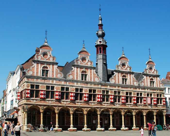Здание Амстердамской биржи (De Beurs van Amsterdam — нид.яз)