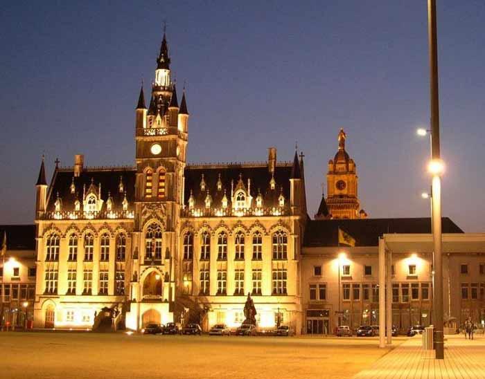 Ратуша города Синт-Никлас. Бельгия