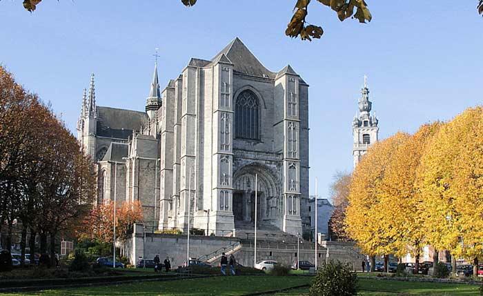 Соборная церковь Монса Sint-Waldetrudis