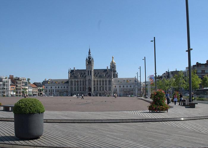 Рыночная площадь города Синт-Никлас. Бельгия