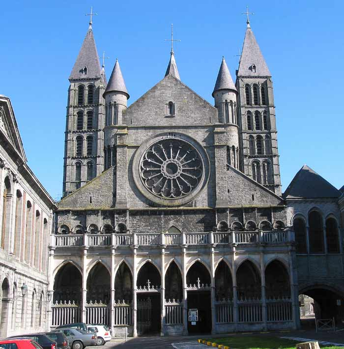 Кафедральный собор Нотр-Дам в бельгийском городе Турне