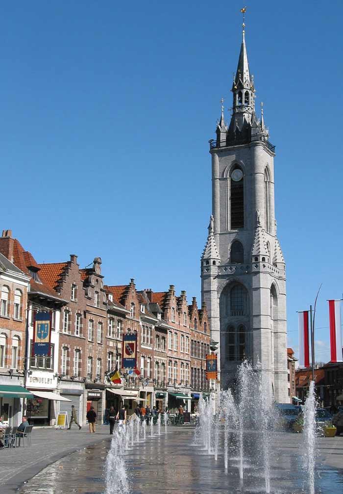 Старейшая колокольня города Турне. Бельгич