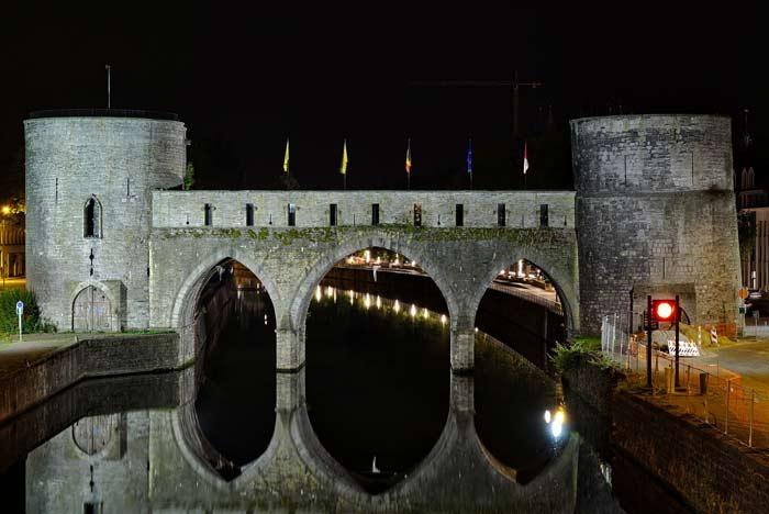 Мост Pont des Trous в бельгийском городе Турне