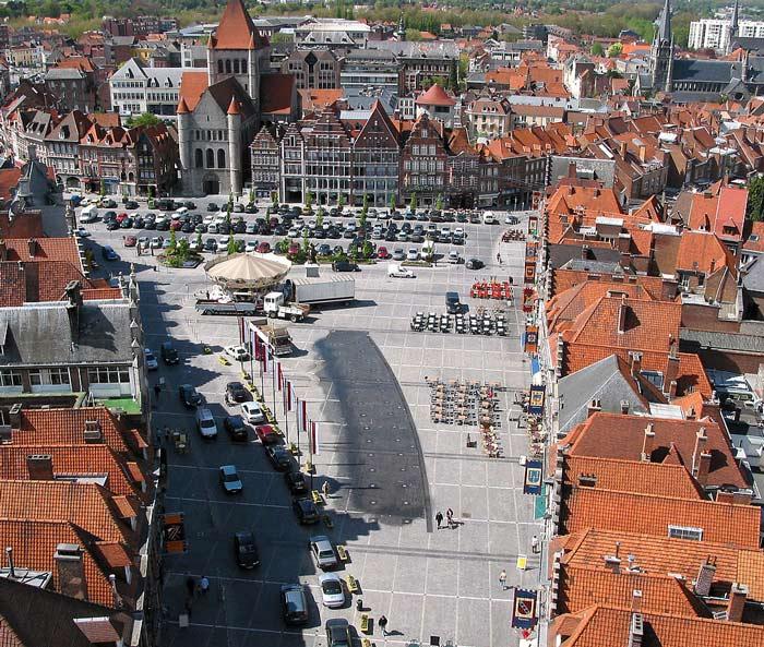 Центральная площадь бельгийского города Турне Grand-Place