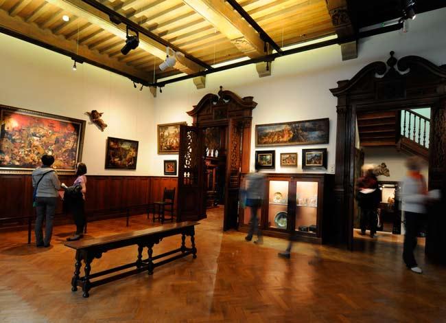 Антверпен. Музей Майер ван ден Берг