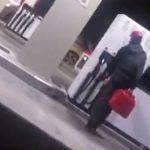 Бесплатный бензин из-за неисправности насосов на АЗС | Видео
