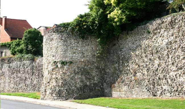 Фрагменты городских стен