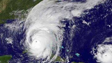 Приближается штормовая Ciara: порывы до 130км/ч, высокий риск повреждений