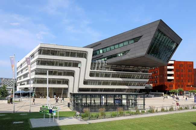 Библиотека университета экономики и бизнеса в Вене, Австрия