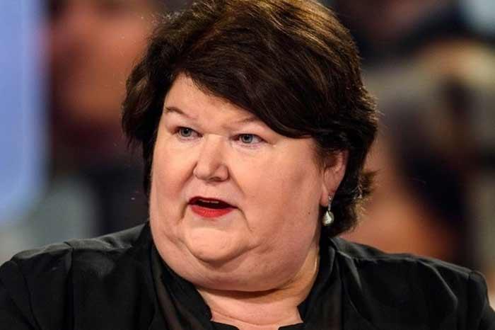 """Бельгийские власти обещали жестко штрафовать тех, кто уклоняется от теста на COVID-19 после возвращения из """"красных зон"""""""