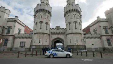 Полиция задержала четырех человек, которые подозреваются в участии в вооруженном угоне вертолета в Бельгии
