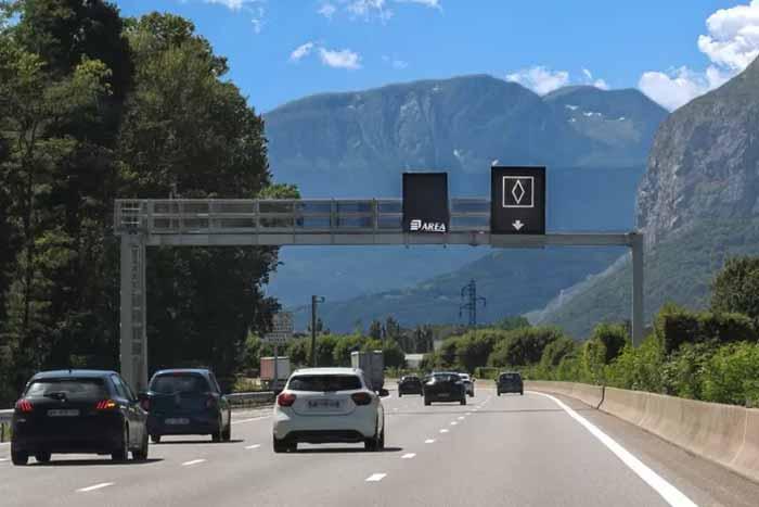 Что означает новый дорожный знак с белым ромбом во Франции