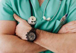 Каждый третий сотрудник сектора здравоохранения не хочет делать прививку от гриппа